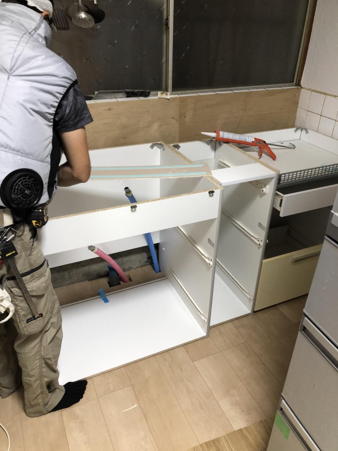 キッチンと洗面台の入れ替え