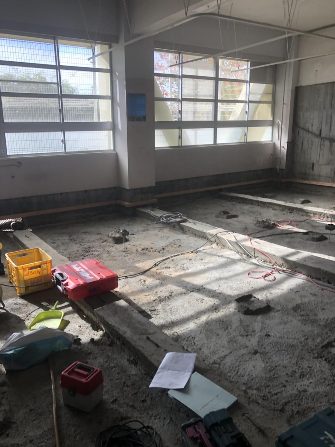 小学校の床造作
