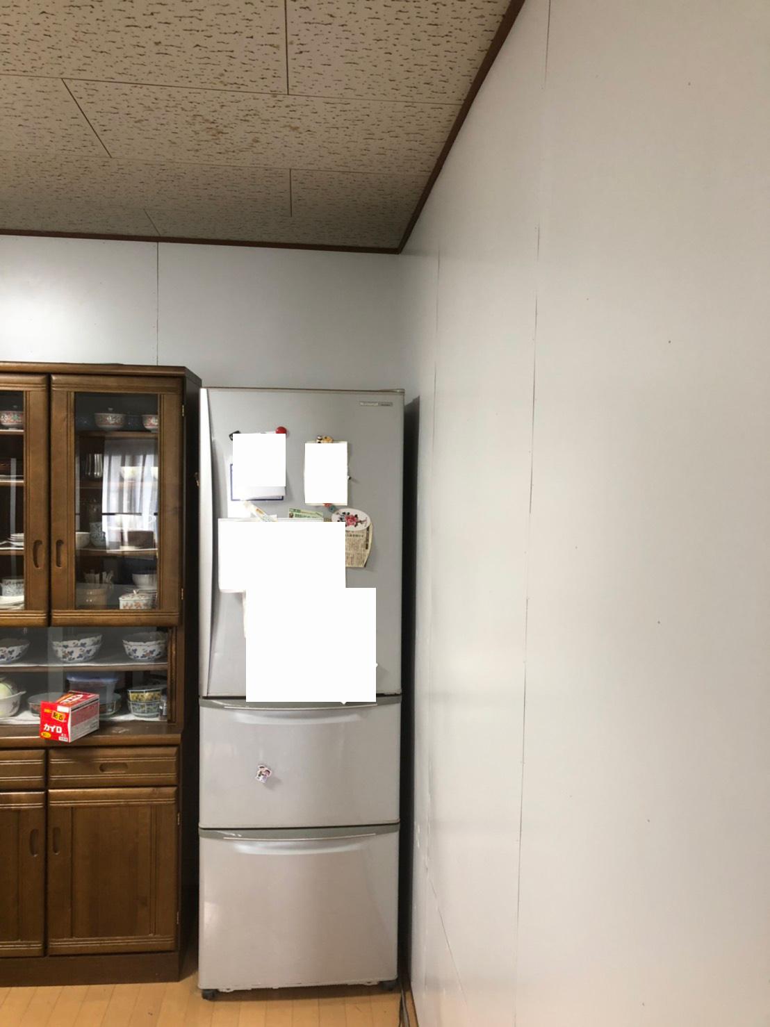 壁にプリント合板工事